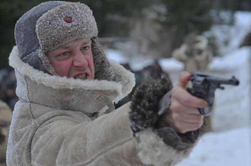 Mark Strong in una scena di The Way Back