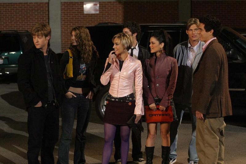 Parte del cast in una sequenza dell'episodio Il terzo incomodo di The O.C.