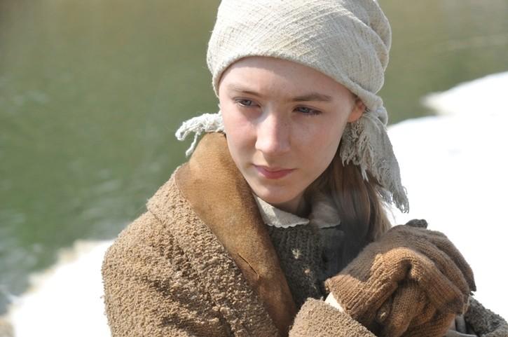 Primo piano di Saoirse Ronan dal film The Way Back