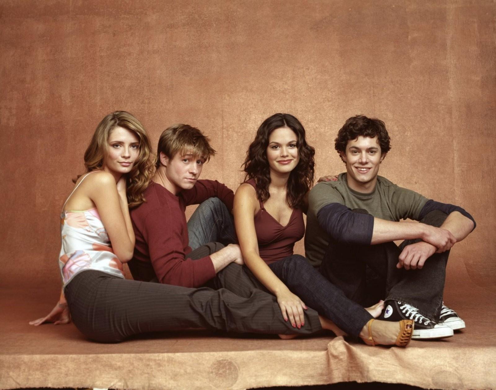 Un wallpaper con i protagonisti principali della stagione 1 di The O.C.