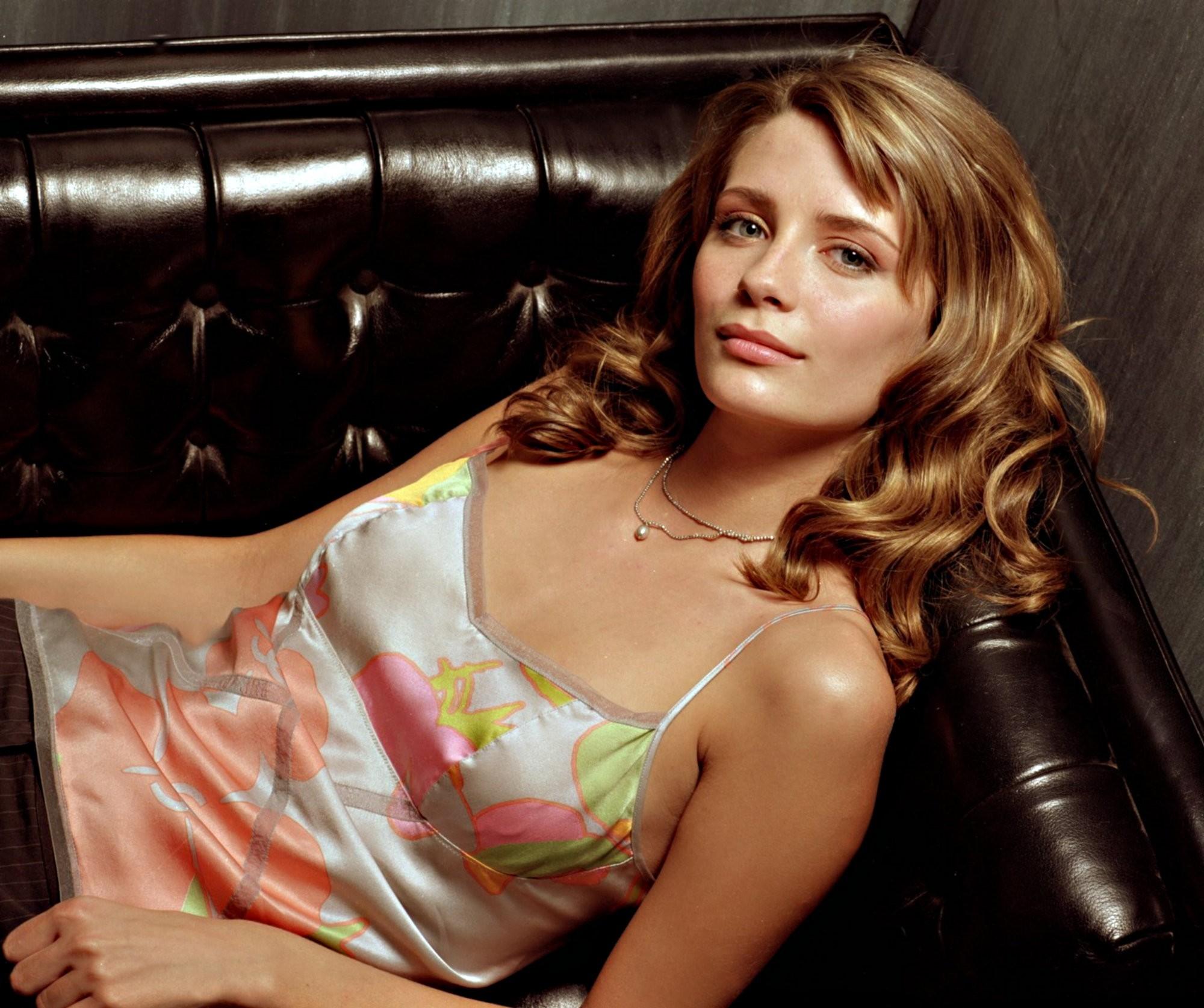 Un wallpaper con Mischa Barton protagonista per la serie The O.C.