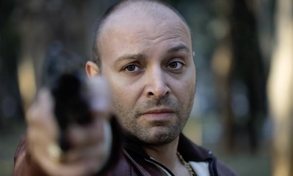 Vicente Romero nel film Carne de neón