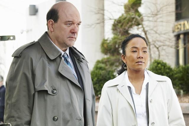 John Carroll Lynch e Sonja Sohn nel pilot della serie Body of Proof