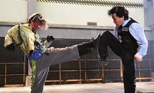 Jackie Chan in una scena del film New Police Story