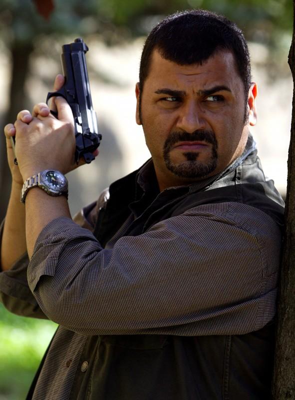 Sergio Friscia in una sequenza di Caccia al Re - La Narcotici