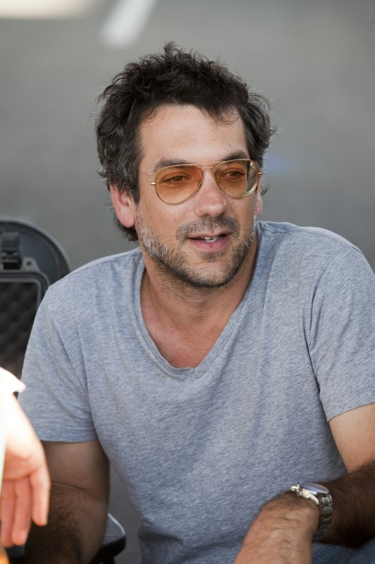 Todd Phillips sul set del road movie Due Date