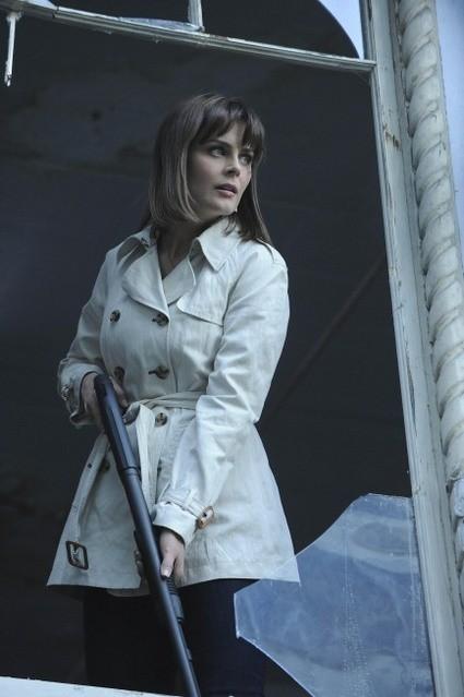 Emily Deschanel nell'episodio The Body and the Bounty di Bones