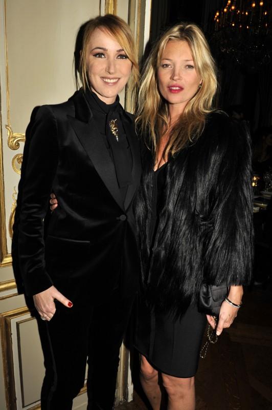 Kate Moss con Frida Giannini a Parigi, nel 2011. Entrambe vestite da GUCCI