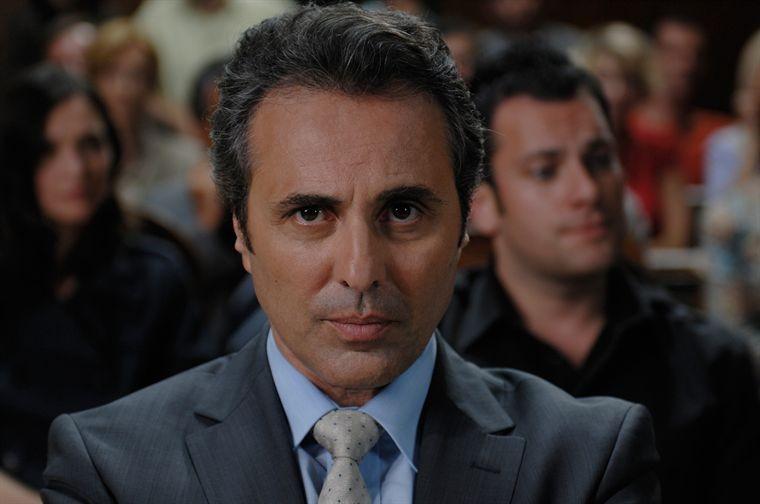 Primo piano di Gilbert Melki dal film L'avocat (2010)
