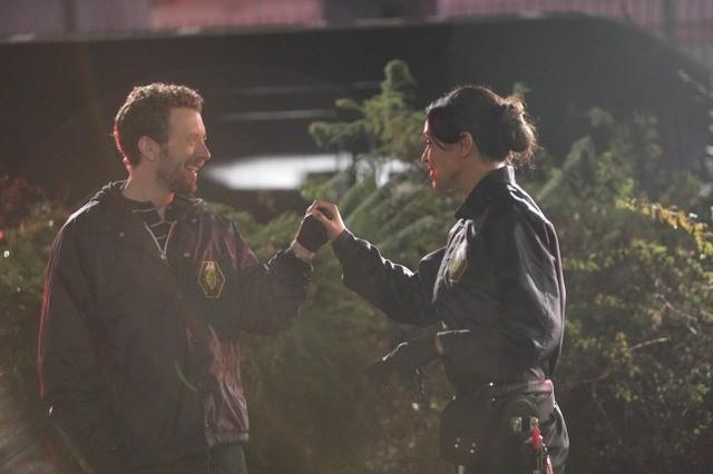 T.J. Thyne e Tamara Taylor nell'episodio The Doctor in the Photo di Bones