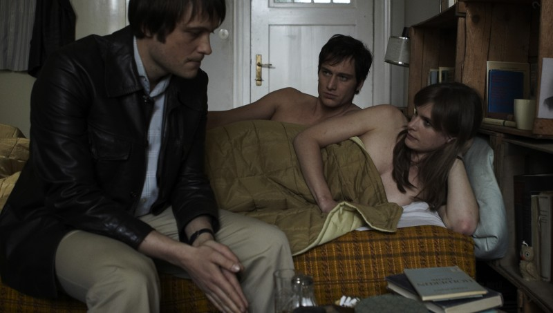 Lena Lauzemis, Alexander Fehling ed August Diehl in una scena di if not us, who?, biopic dedicato alla terrorista Gudrun Ensslin