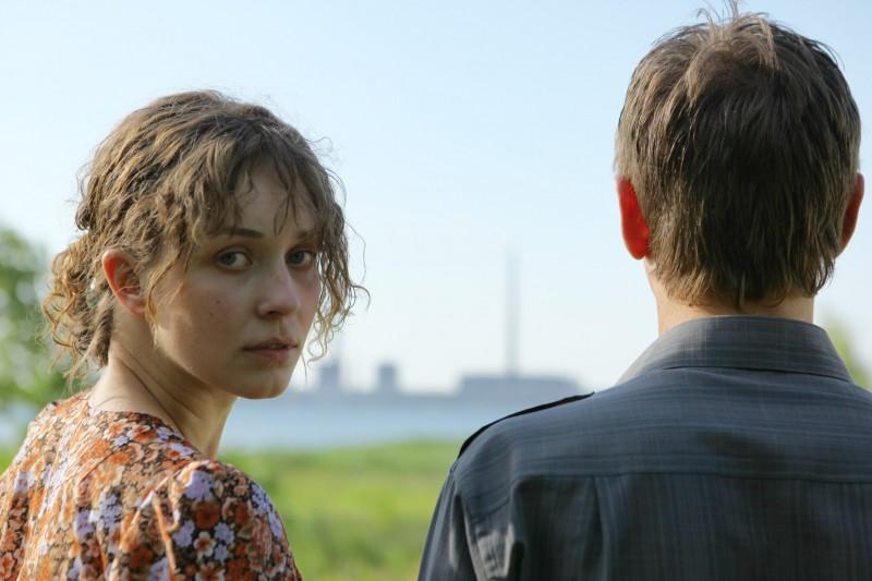 Svetlana Smirnova-Marcinkevich ed Anton Shagin nel film Innocent Saturday (V-Subbotu)