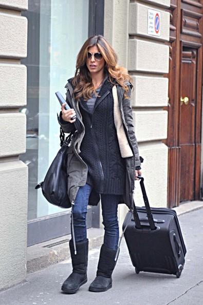Elisabetta Canalis arriva nella sua casa di Milano