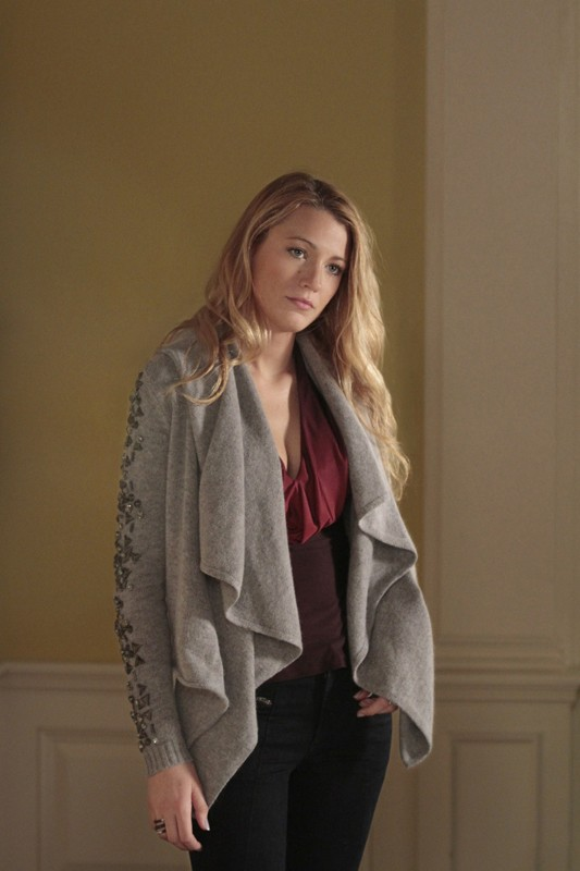 S (Blake Lively) nell'episodio The Kids Are Not Alright di Gossip Girl