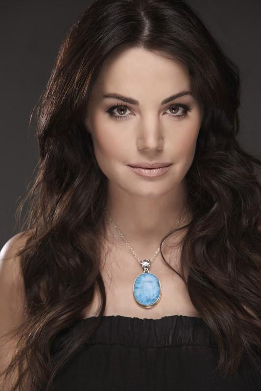 Una foto promo di Erica Durance per la season finale di Smallville