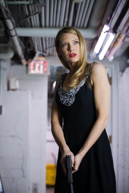Anna Torv in un momento dell'episodio Concentrate and Ask Again di Fringe