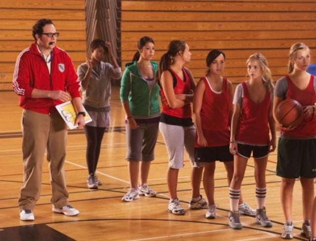 Austin Basis e Brittany Robertson in una scena dell'episodio Criminal Incriminated di Life UneXpected