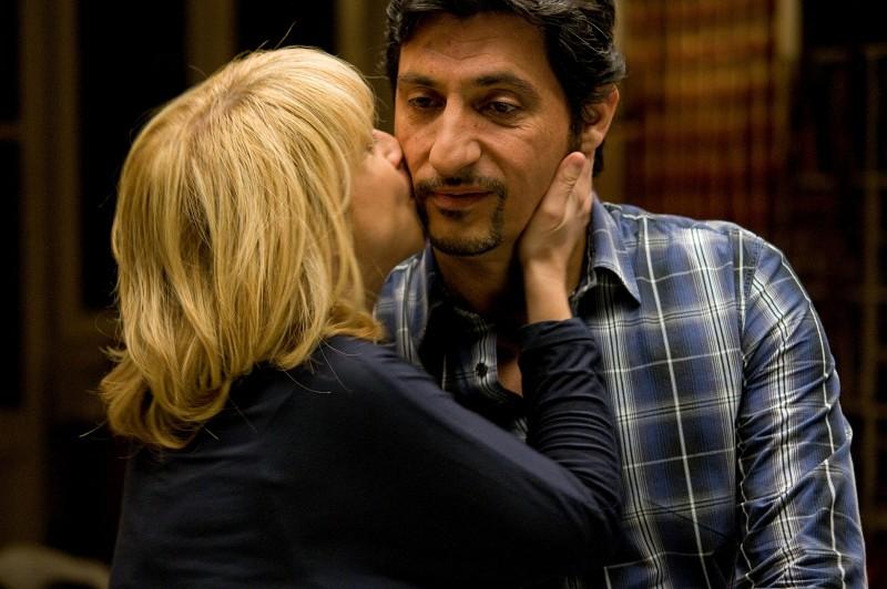 Emilio Solfrizzi in una sequenza del film Femmine contro Maschi