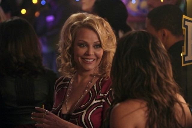 Gail O'Grady nell'episodio Worried Baby Blues di Hellcats