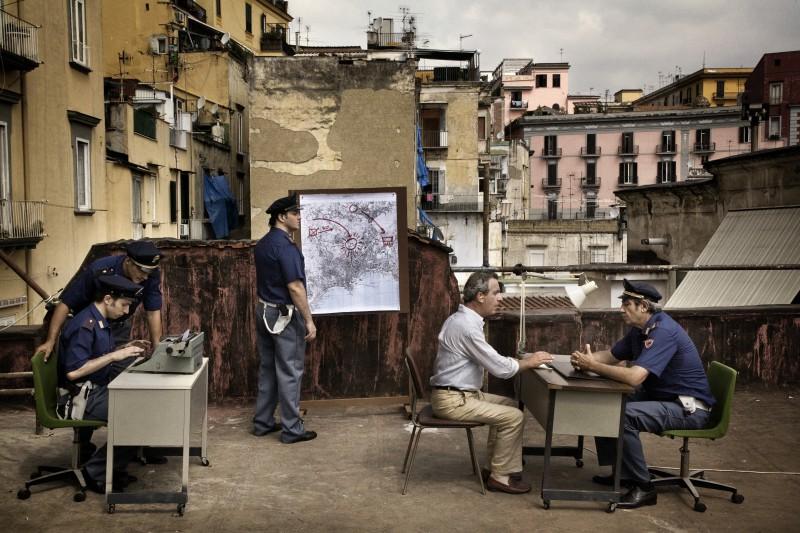 Gianfelice Imparato in un'onirica scena del film Into Paradiso (2010)