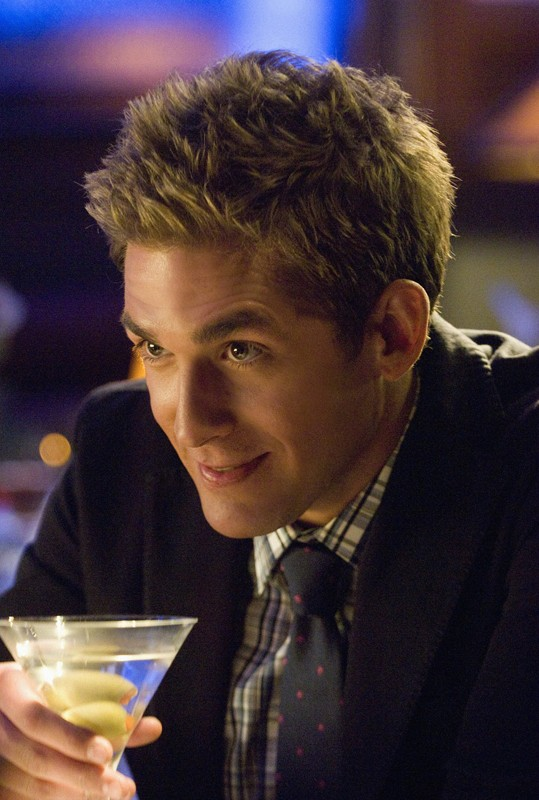 Greg (Eric Szmanda) nell'episodio A Kiss Before Frying di CSI: Scena del crimine