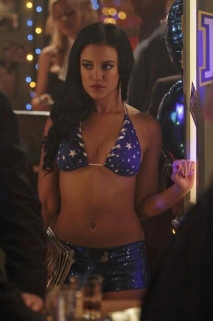 Heather Hemmens in una scena dell'episodio Worried Baby Blues di Hellcats