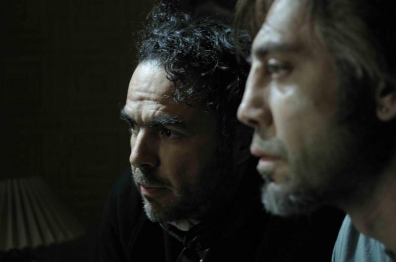 Il regista Inarritu con Javier Bardem sul set del film Biutiful