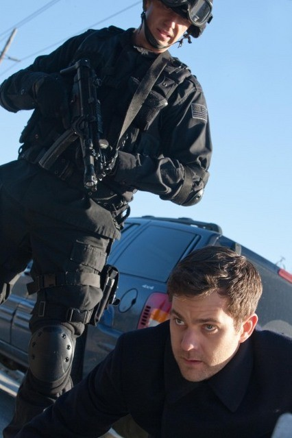 Joshua Jackson nell'episodio Concentrate and Ask Again di Fringe