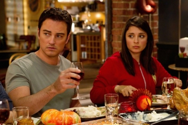 Kerr Smith e Shiri Appleby nell'episodio Thanks Ungiven di Life UneXpected