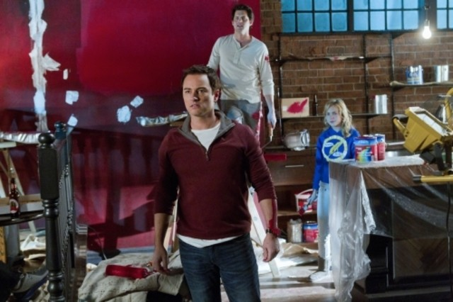 Kerr Smith, Kristoffer Polaha e Brittany Robertson nell'episodio Affair Remembered di Life UneXpected