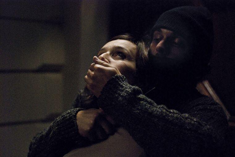 Kristin Scott Thomas in una scena drammatica del film Contre toi