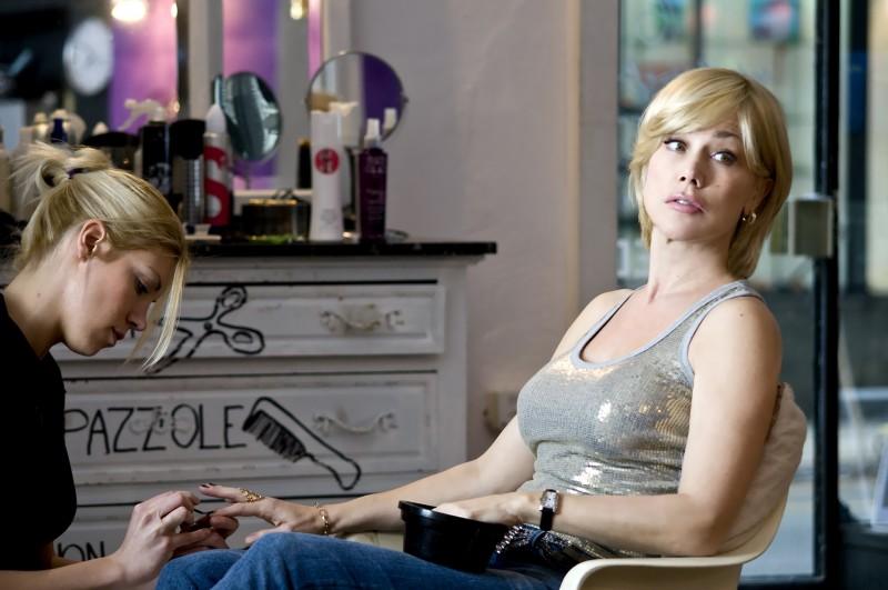 Nancy Brilli nel film Femmine contro Maschi