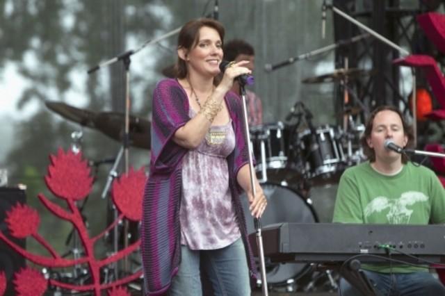 Rain Perry nell'episodio Music Faced di Life UneXpected