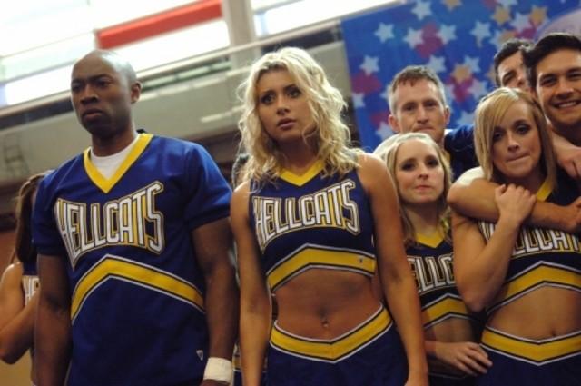 Robbie Jones ed Aly Michalka nell'episodio Papa, Oh Papa di Hellcats