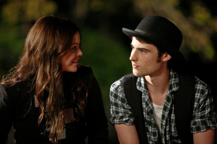 Rachel Bilson e Tom Sturridge, protagonisti del film Waiting for Forever