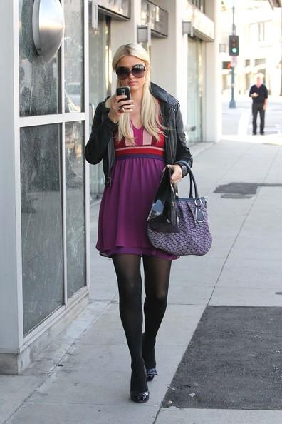 Paris Hilton trascorre la giornata al Kate Somerville Spa