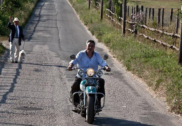 Gianni Di Gregorio in un'immagine del suo film Gianni e le donne