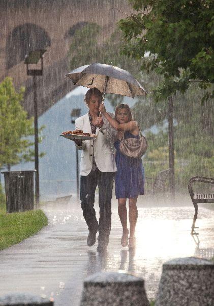 Owen Wilson e Reese Witherspoon nella commedia Come lo sai