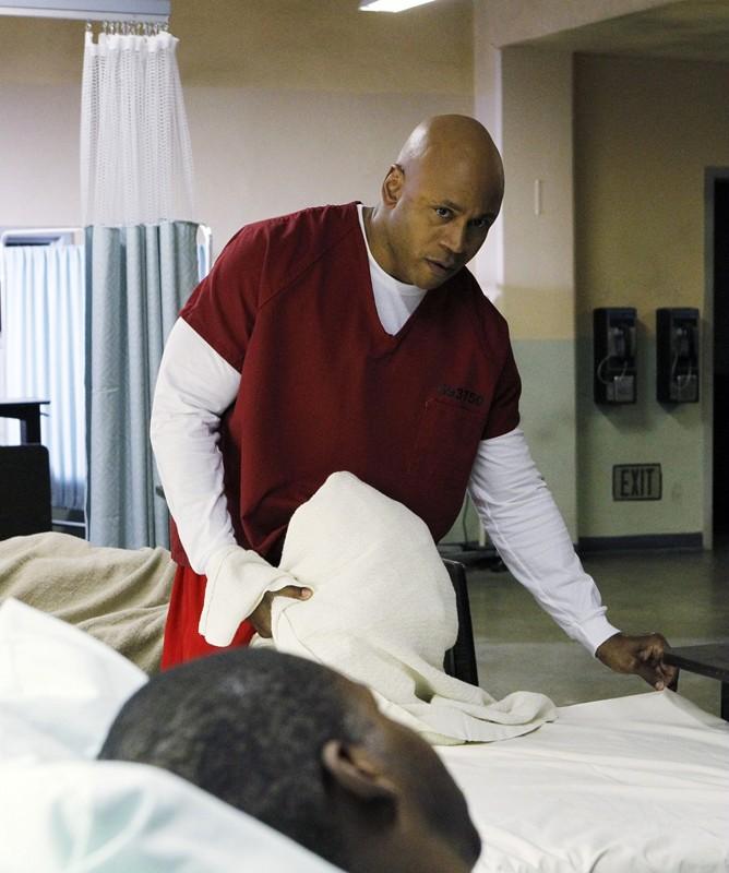 Ronald Auguste e LL Cool J nell'episodio Lockup di NCIS: Los Angeles
