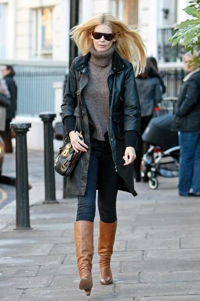 Claudia Schiffer esce da scuola