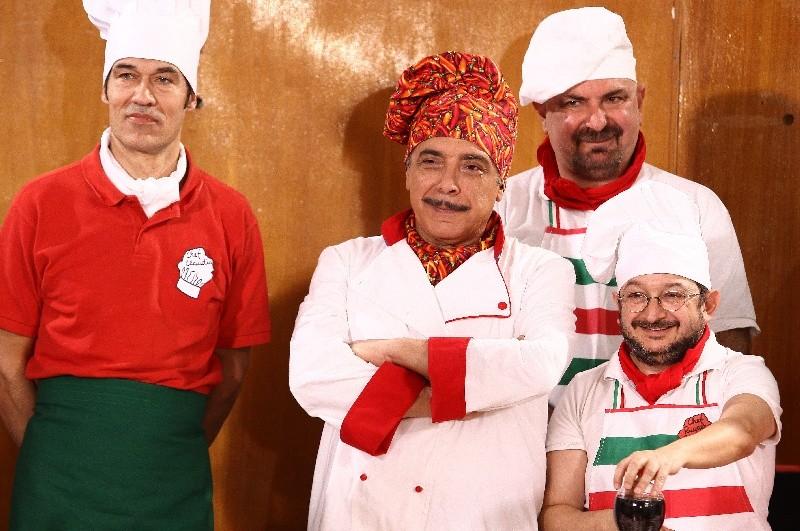 Nino Frassica è il cuoco di Cugino e Cugino