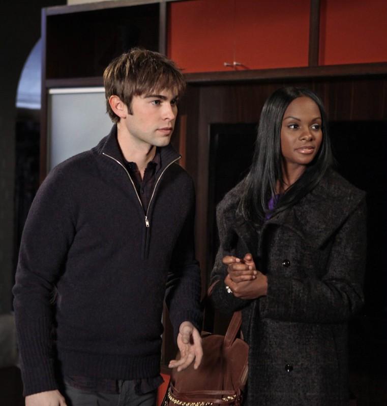 Nate (Chace Crawford) e Raina (Tika Sumpter) nell'episodio While You Weren't Sleeping di Gossip Girl