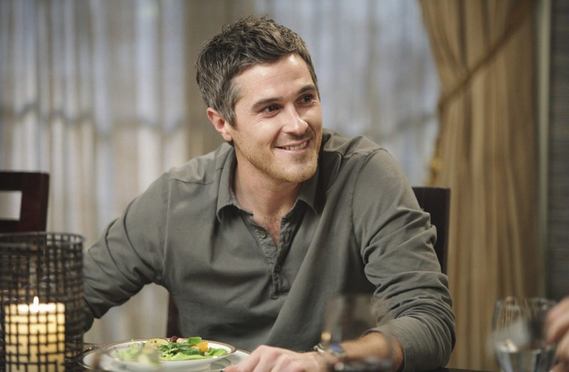 Dave Annable nell'episodio Safe at Home di Brothers & Sisters