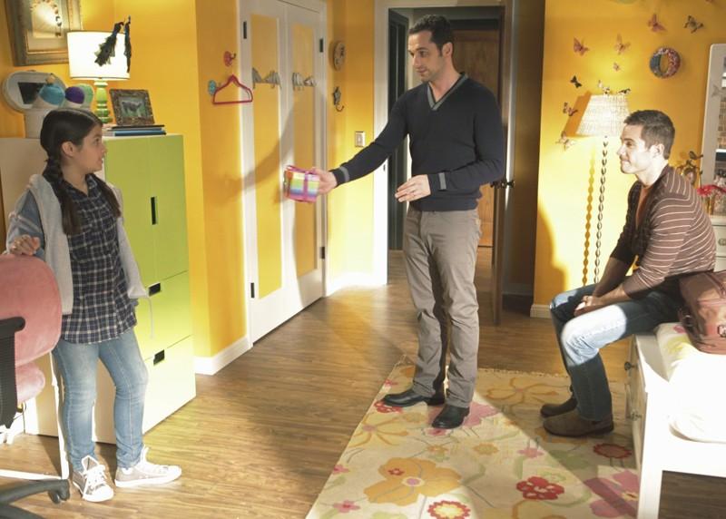 Olivia (Isabella Rae Thomas), Justin (Dave Annable) e Kevin (Matthew Rhys) in Safe at Home di Brothers & Sisters