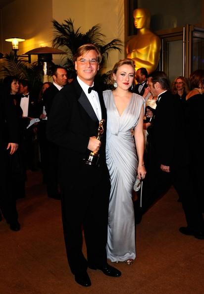 Aaron Sorkin con l'Oscar per lo script di The Social Network