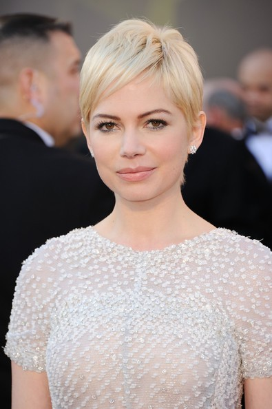 Michelle Williams sul red carpet degli Oscar 2011, dove era nominata per Blue Valentine