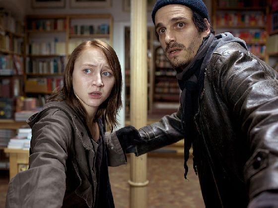 Anna Maria Mühe e Max von Thun nel film In der Welt habt ihr Angst