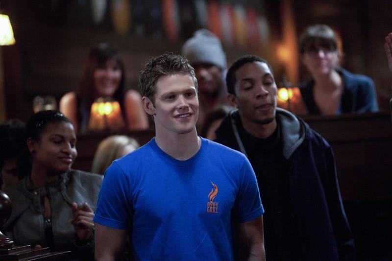 Zach Roerig in un momento dell'episodio The House Guest di Vampire Diaries