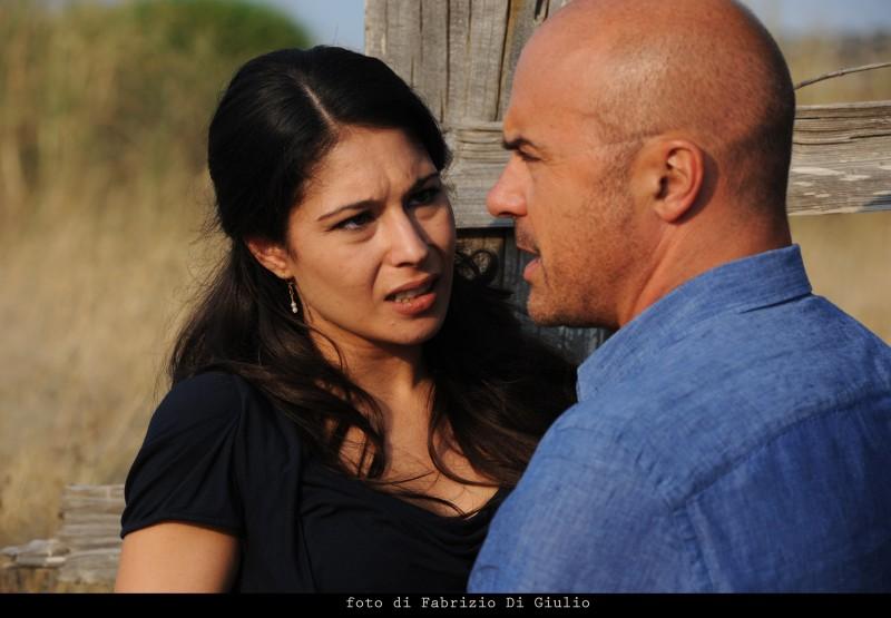 Luca Zingaretti ed Ilenia Maccarone nell'episodio La danza