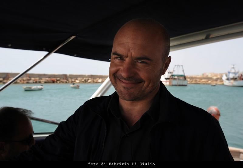 Luca Zingaretti nell'episodio L'età del dubbio de Il commissario Montalbano